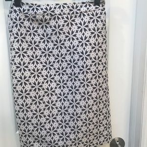 Never worn! Beautiful Lord and Taylor skirt
